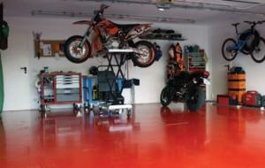 3 nalivnoj-pol-v-garazhe