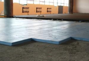 4 uteplitel'-dlja-betonnogo-pola